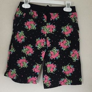 Other - Girls shorts💐